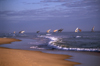 Mozambique / Moçambique - Inhambane: dhows - praia da Barra / dhows - Barra beach - photo by F.Rigaud