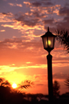 Mozambique / Moçambique - Pemba: sunset and lamp post / pôr do sol e candeeiro - photo by F.Rigaud