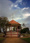 Xai-Xai / Vila João Belo / VJB (Gaza), Mozambique: bandstand on the central garden - coreto no jardim central - photo by M.Torres