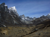 Nepal - Sagarmatha National Park - Everest Base Camp Trek: valley view - photo by M.Samper