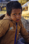 Kathmandu, Nepal: poverty - Dalit child at a rubbish dump - lower caste people - photo by W.Allg�wer