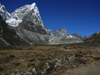 Nepal - Sagarmatha National Park - Everest Base Camp Trek: stone wall - photo by M.Samper