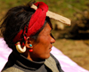 Khumbu region, Solukhumbu district, Sagarmatha zone, Nepal: using a cardboard piece as sun protection - photo by E.Petitalot