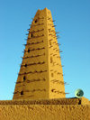 Agadez, Niger: XVI century minaret of the Grand Mosque, built with 'banco', dry mud and soil - desert architecture - photo by A.Obem