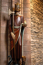 Orkney island - Kirkwall - St Magnus Cathedral - statue of St Olaf - photo by Carlton McEachern