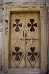 Peshawar, NWFP, Pakistan: clovers - door in the Old City - photo by G.Koelman