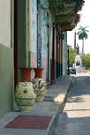 Panama City: pots and colonial facades - Casco Viejo - photo by H.Olarte