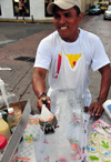 Panama City / Ciudad de Panama: Casco Viejo - preparing a snow cone - shave ice - raspado - kakigori - piragua - photo by M.Torres