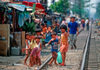 Manila city, Philippines - children on the railway tracks - Slums and shanty towns - photo by B.Henry