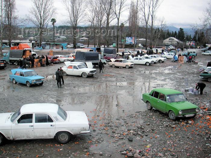 abkhazia1: Abkhazia - Abkhazia - Psou / Russian border: impovised market - car boot sales (photo by A.Kilroy) - (c) Travel-Images.com - Stock Photography agency - Image Bank