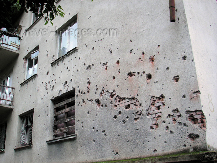 abkhazia13: Abkhazia - Sukhumi: bullet holes on a wall - photo by A.Kilroy - (c) Travel-Images.com - Stock Photography agency - Image Bank