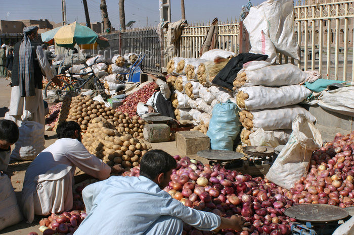 afghanistan20: Afghanistan - Herat - vegetables sold in front of the citadel - photo by E.Andersen - (c) Travel-Images.com - Stock Photography agency - Image Bank
