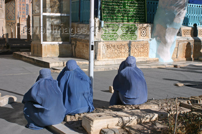 afghanistan21: Afghanistan - Herat - women at the mosque - photo by E.Andersen - (c) Travel-Images.com - Stock Photography agency - Image Bank