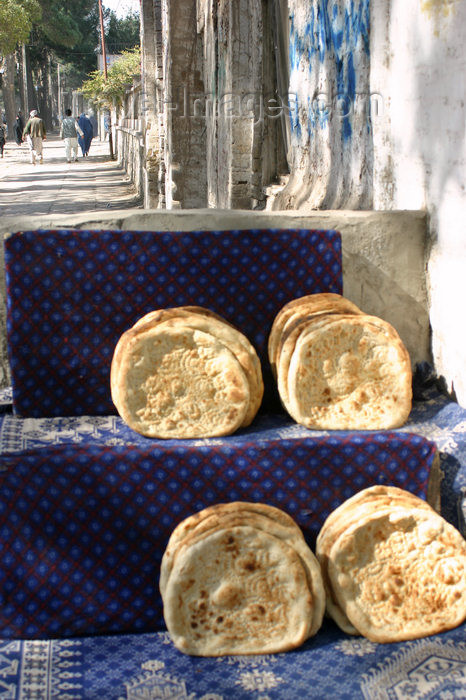 afghanistan32: Afghanistan - Herat province - bread for sale - photo by E.Andersen - (c) Travel-Images.com - Stock Photography agency - Image Bank