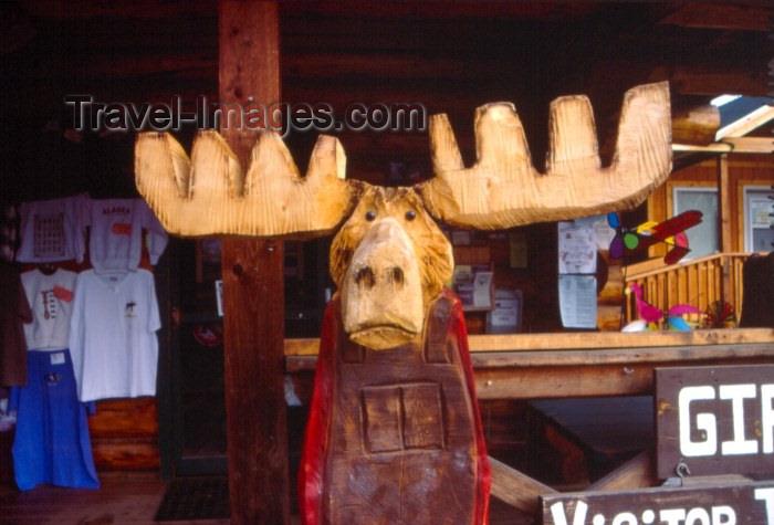 alaska10: Alaska - Talkeetna / TKA: wooden moose at the visitors center (photo by F.Rigaud) - (c) Travel-Images.com - Stock Photography agency - Image Bank