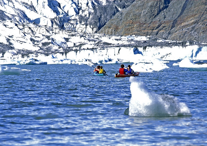 alaska105: Alaska - Juneau: kayaking - Menden Hall glacier (photo by A.Walkinshaw) - (c) Travel-Images.com - Stock Photography agency - Image Bank