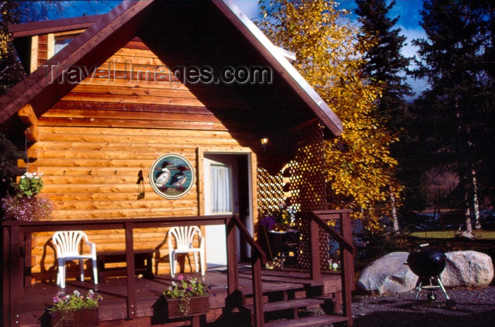 alaska11: Alaska - Anchorage / ANC: Alaskan dacha - rural timber cabin - photo by F.Rigaud - (c) Travel-Images.com - Stock Photography agency - Image Bank