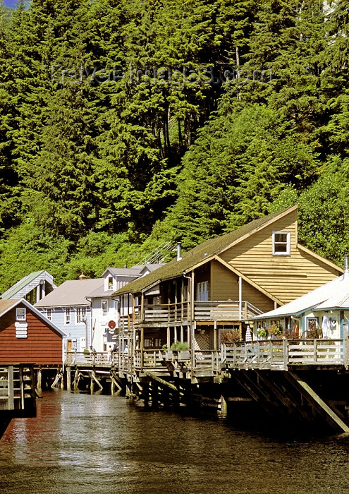 alaska113: Alaska - Ketchikan: houses on the water (photo by A.Walkinshaw) - (c) Travel-Images.com - Stock Photography agency - Image Bank