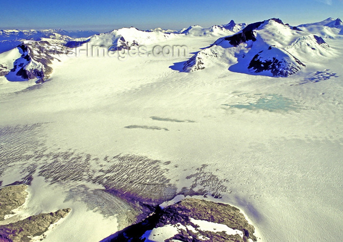 alaska123: Alaska - Glacier Bay NP: snow covered mountain tops (photo by A.Walkinshaw) - (c) Travel-Images.com - Stock Photography agency - Image Bank