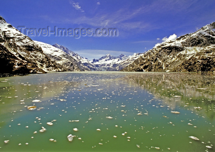alaska124: Alaska - Glacier Bay NP: water reflection (photo by A.Walkinshaw) - (c) Travel-Images.com - Stock Photography agency - Image Bank