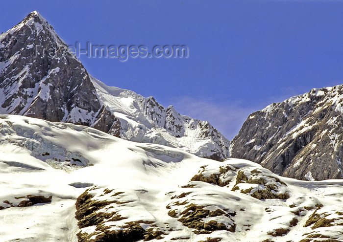 alaska125: Alaska - Glacier Bay NP: mountain tops (photo by A.Walkinshaw) - (c) Travel-Images.com - Stock Photography agency - Image Bank