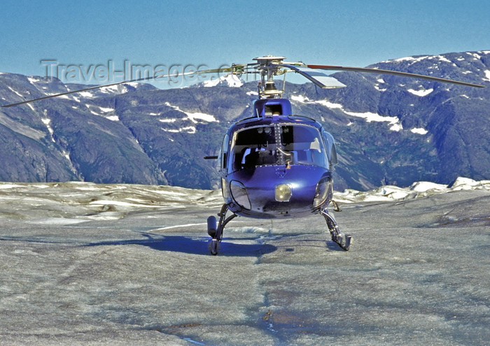 alaska131: Alaska - Glacier Bay NP: helicopter - Eurocopter AS350 A-star (photo by A.Walkinshaw) - (c) Travel-Images.com - Stock Photography agency - Image Bank