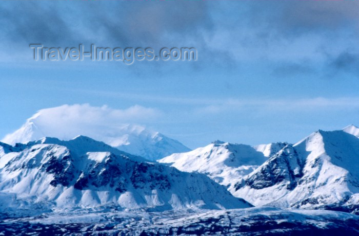 alaska14: Alaska - Anchorage / ANC: mountain view - Chugach Mountains and orographic clouds - skyline - photo by F.Rigaud - (c) Travel-Images.com - Stock Photography agency - Image Bank