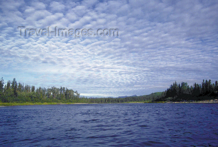 alaska146: Brooks range, Alaska: kayaking on the Kobuk river - photo by E.Petitalot - (c) Travel-Images.com - Stock Photography agency - Image Bank