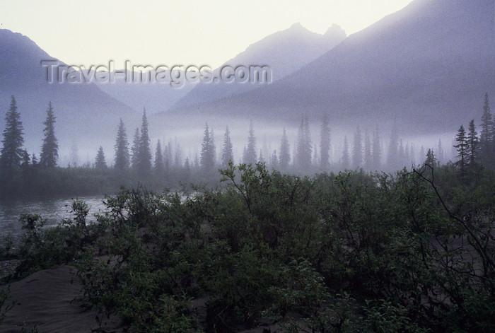 alaska148: Brooks range, Alaska: misty morning - photo by E.Petitalot - (c) Travel-Images.com - Stock Photography agency - Image Bank