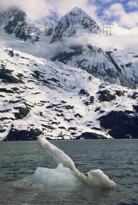 alaska164: Alaska - Glacier bay - iceberg - photo by E.Petitalot - (c) Travel-Images.com - Stock Photography agency - Image Bank