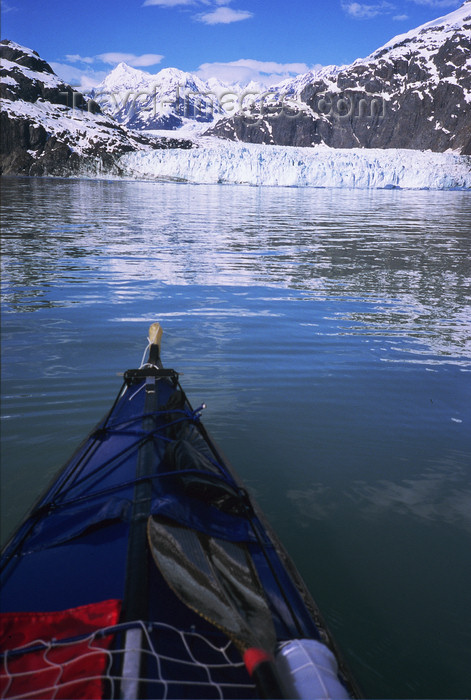alaska166: Alaska - Glacier bay - kayaking in front of Margerie glacier - photo by E.Petitalot - (c) Travel-Images.com - Stock Photography agency - Image Bank