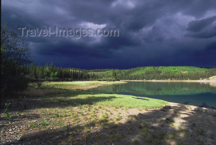 alaska192: Alaska - Yukon river: s storm is coming - photo by E.Petitalot - (c) Travel-Images.com - Stock Photography agency - Image Bank