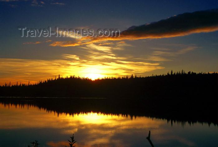 alaska193: Brooks range, Alaska: sunset on the Kobuk river - photo by E.Petitalot - (c) Travel-Images.com - Stock Photography agency - Image Bank