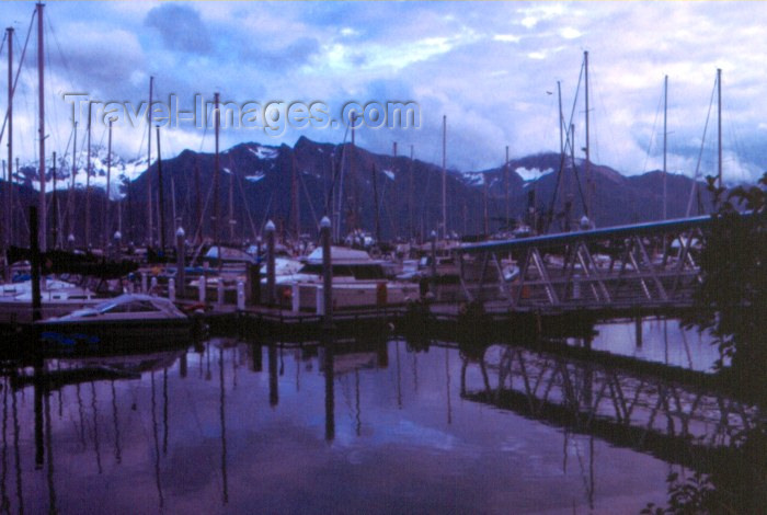 alaska28: Alaska - Seward / SWD: late on the marina - boat harbor - photo by F.Rigaud - (c) Travel-Images.com - Stock Photography agency - Image Bank