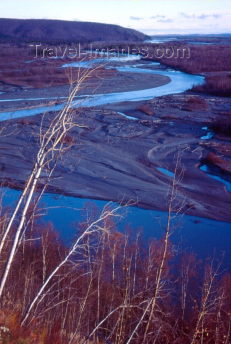 alaska41: Alaska - Chicken: river bends - photo by F.Rigaud - (c) Travel-Images.com - Stock Photography agency - Image Bank