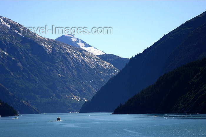 alaska53: Alaska's Inside Passage - Tracy Arm Fjord: entering the fjord (photo by Robert Ziff) - (c) Travel-Images.com - Stock Photography agency - Image Bank