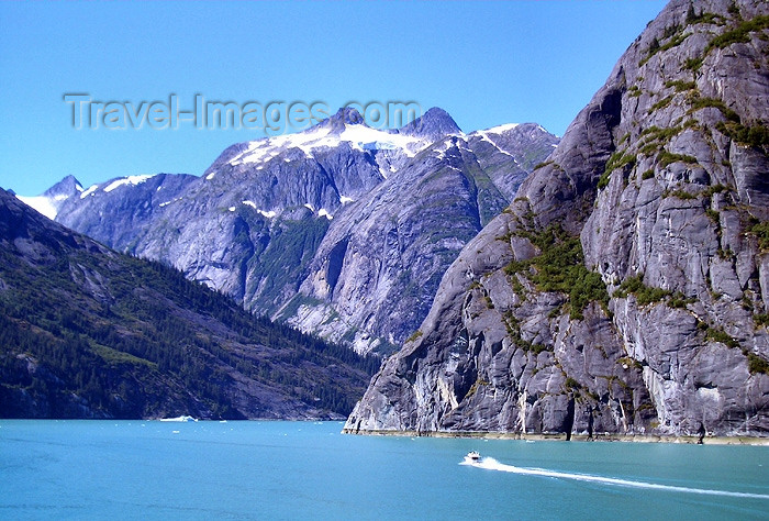 alaska66: Alaska's Inside Passage - Tracy Arm Fjord: summer day (photo by Robert Ziff) - (c) Travel-Images.com - Stock Photography agency - Image Bank