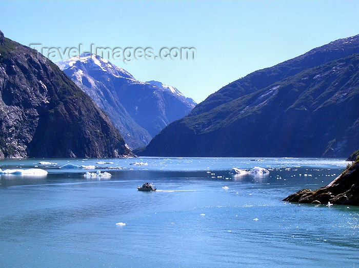 alaska69: Alaska's Inside Passage - Tracy Arm Fjord: noon on the fjord (photo by Robert Ziff) - (c) Travel-Images.com - Stock Photography agency - Image Bank