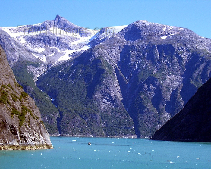 alaska70: Alaska's Inside Passage - Tracy Arm Fjord: mountains and cliffs - leaving (photo by Robert Ziff) - (c) Travel-Images.com - Stock Photography agency - Image Bank