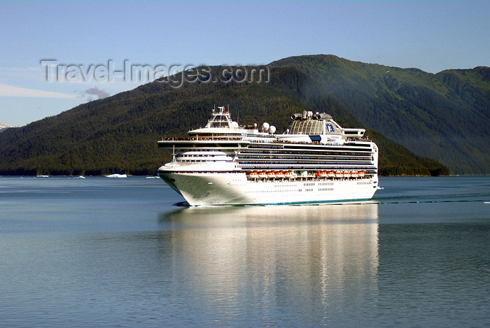 alaska75: Alaska's Inside Passage - Tracy Arm Fjord : Cruise ship Sapphire Princess entering the fjord (photo by Robert Ziff) - (c) Travel-Images.com - Stock Photography agency - Image Bank