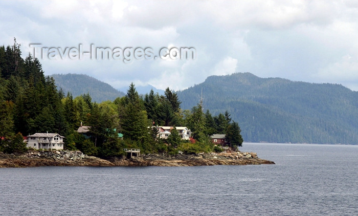 alaska86: Alaska - Ketchikan: houses by the sea (photo by Robert Ziff) - (c) Travel-Images.com - Stock Photography agency - Image Bank
