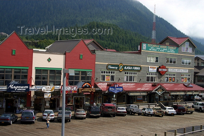 alaska89: Alaska - Ketchikan: façades by the waterfront (photo by Robert Ziff) - (c) Travel-Images.com - Stock Photography agency - Image Bank