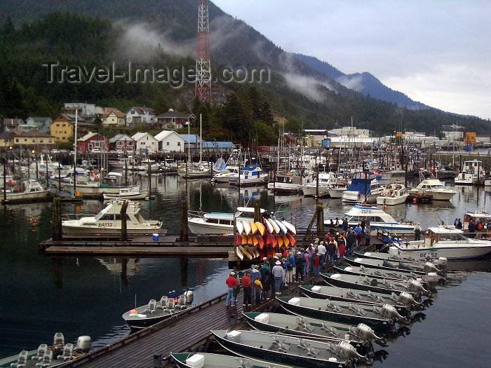 alaska92: Alaska - Ketchikan: queuing at the marina (photo by Robert Ziff) - (c) Travel-Images.com - Stock Photography agency - Image Bank