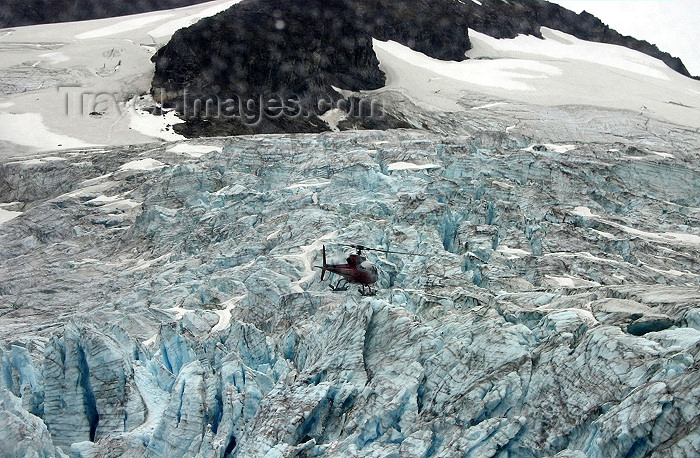 alaska94: Alaska - Skagway: an helicopter over Denver Glacier (photo by Robert Ziff) - (c) Travel-Images.com - Stock Photography agency - Image Bank