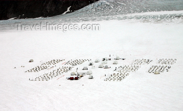 alaska99: Alaska - Skagway:  dogsled camp at Denver Glacier - aerial view (photo by Robert Ziff) - (c) Travel-Images.com - Stock Photography agency - Image Bank