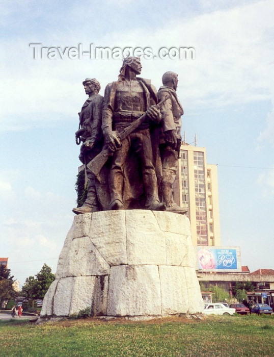 albania1: Albania / Shqiperia - Shkoder / Skadar / Scutari / Shkodra: brothers in arms - Five Heroes square - photo by M.Torres - (c) Travel-Images.com - Stock Photography agency - Image Bank