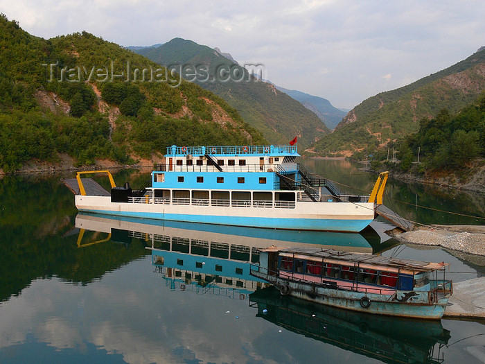 albania124: Fierzë - Pukë, Shkodër county, Albania: ferry and the Drin river valley - photo by J.Kaman - (c) Travel-Images.com - Stock Photography agency - Image Bank