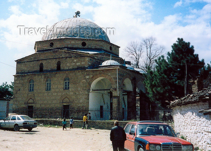albania22: Albania / Shqiperia - Korçë / Korça / Korce: going to the Mirahor mosque - Islamic architecture - photo by M.Torres - (c) Travel-Images.com - Stock Photography agency - Image Bank