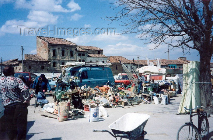 albania23: Albania / Shqiperia - Korçë / Korça / Korce: at the bazar - photo by M.Torres - (c) Travel-Images.com - Stock Photography agency - Image Bank