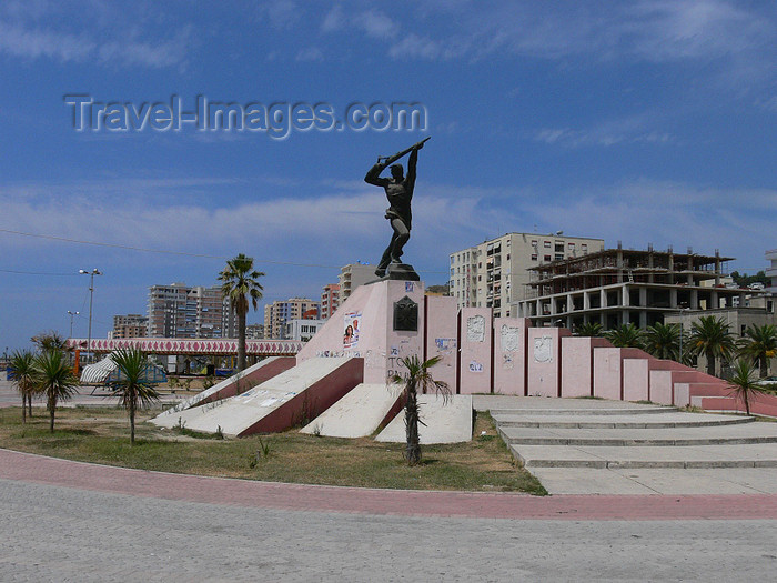 albania32: Durres / Drach, Albania: war monument - photo by J.Kaman - (c) Travel-Images.com - Stock Photography agency - Image Bank